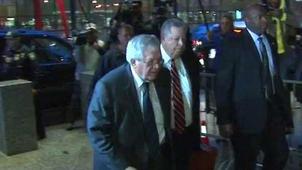 Former House Speaker Dennis Hastert arrives at the Dirksen Federal Building.