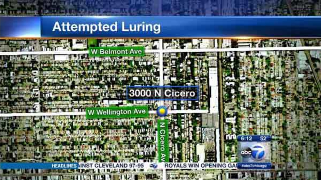 Chicago police are warning Northwest Side residents of a man who tried to lure a girl into his car while blowing kisses and whistling at her.