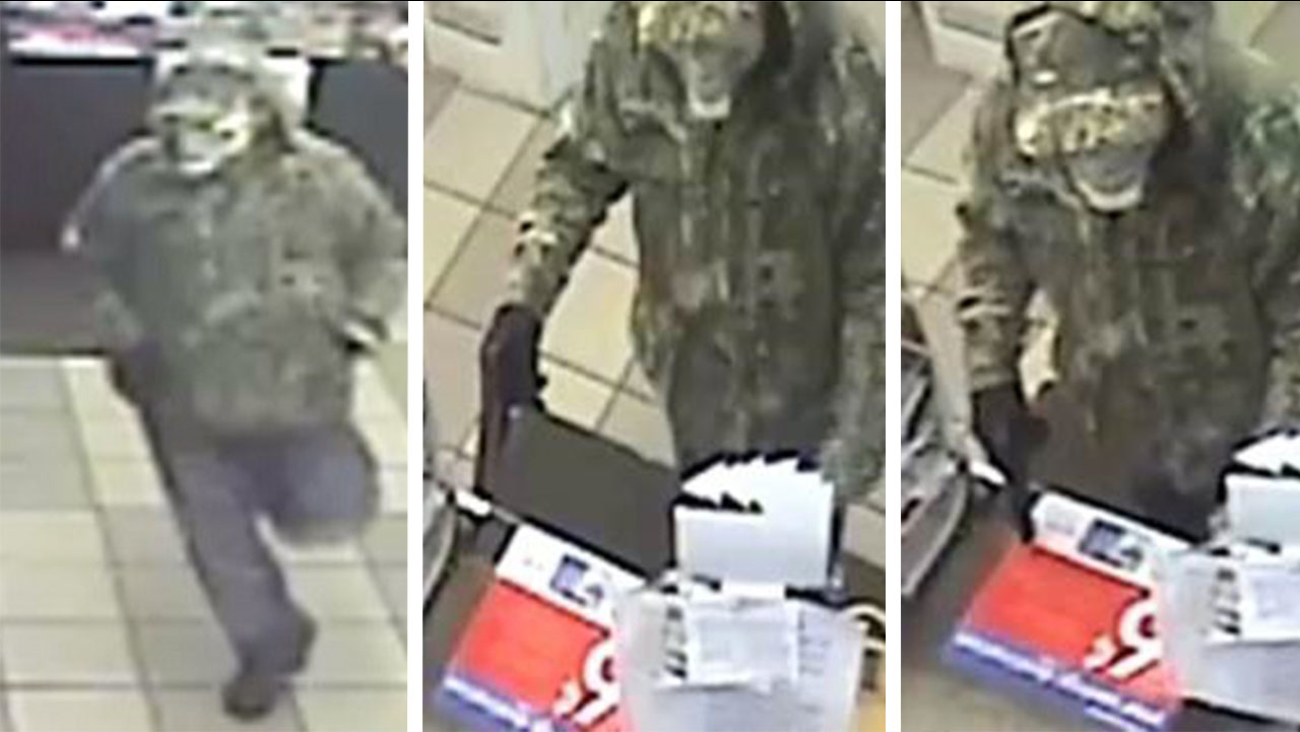 Surveillance images of suspect in Short Stop robbery. Image source: Fayetteville Police Department