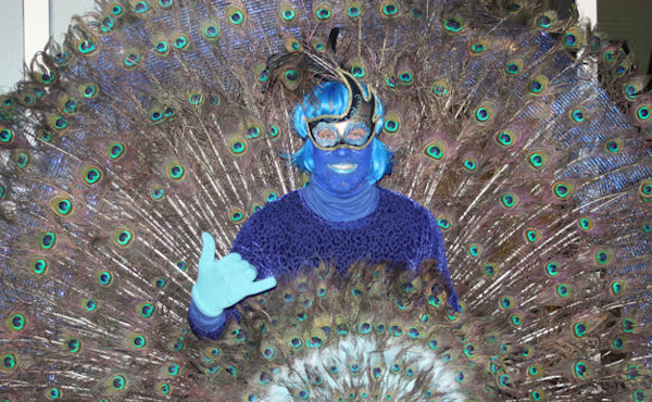"<div class=""meta image-caption""><div class=""origin-logo origin-image none""><span>none</span></div><span class=""caption-text"">Jimmy Zamzow took 20 hours to make this peacock costume for the ''LIVE with Kelly and Michael'' costume contest. (Bob Monek. Eyewitness News)</span></div>"