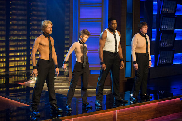 "<div class=""meta image-caption""><div class=""origin-logo origin-image none""><span>none</span></div><span class=""caption-text"">The ''LIVE with Kelly and Michael'' crew strips down for a scene in ''Magic Mike 3D'' for the show's Halloween special. (Pawel Kaminski, Disney/ABC Home Entertainment and TV Distribution)</span></div>"