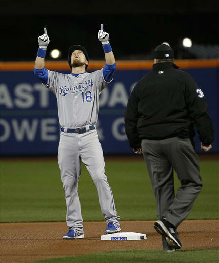 "<div class=""meta image-caption""><div class=""origin-logo origin-image none""><span>none</span></div><span class=""caption-text"">Kansas City Royals' Ben Zobrist points to the sky after hitting a double during the first inning of Game 3. (AP Photo/ Matt Slocum)</span></div>"
