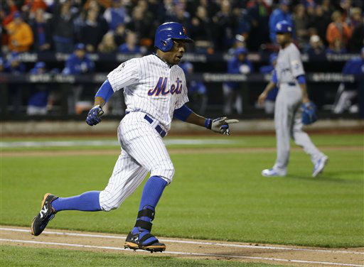 "<div class=""meta image-caption""><div class=""origin-logo origin-image none""><span>none</span></div><span class=""caption-text"">New York Mets' Curtis Granderson rounds the bases after hitting a two-run home run. (AP Photo/ David J. Phillip)</span></div>"
