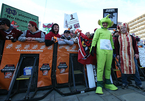 "<div class=""meta image-caption""><div class=""origin-logo origin-image none""><span>none</span></div><span class=""caption-text"">Philadelphia, PA - October 31, 2015 - Independence Hall: Fans on the set of College GameDay Built by the Home Depot (Allen Kee / ESPN Images)</span></div>"