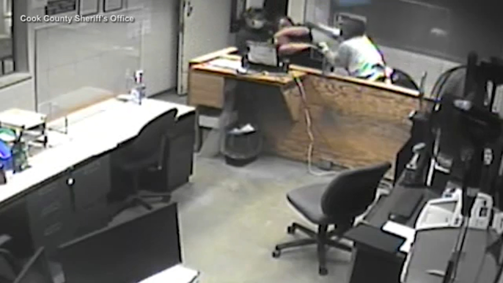 Skokie courthouse attack that injured 4 deputies caught on surveillance video
