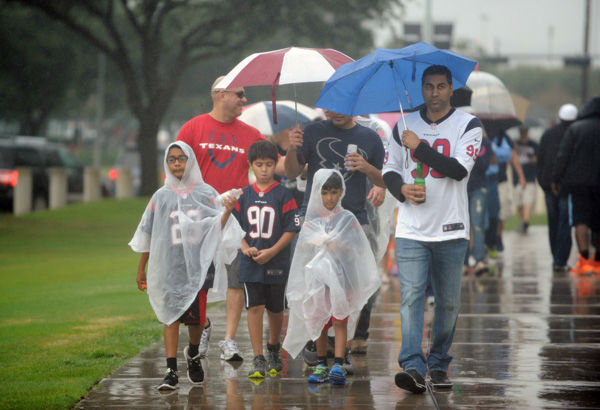 <div class='meta'><div class='origin-logo' data-origin='none'></div><span class='caption-text' data-credit='AP Photo/ Eric Christian Smith'>Houston Texans fans arrive before an NFL football game against the Tennessee Titans, Sunday, Nov. 1, 2015, in Houston.</span></div>