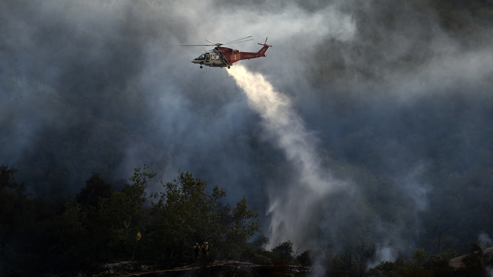Fast-moving wildfire in Southern California explodes this weekend, forcing mandatory evacuations