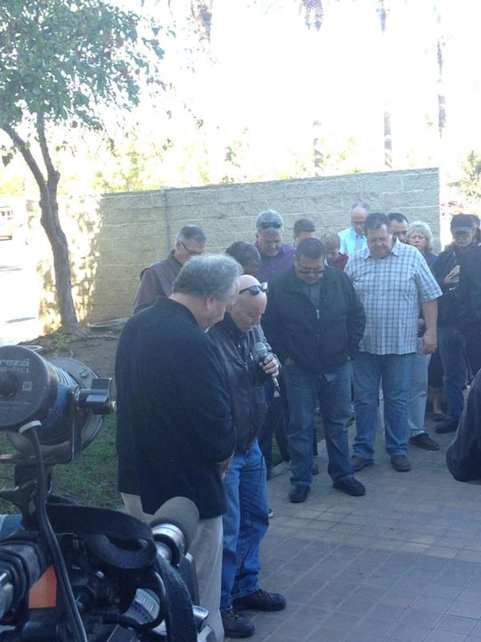 "<div class=""meta image-caption""><div class=""origin-logo origin-image kfsn""><span>KFSN</span></div><span class=""caption-text"">Local pastors in Merced are praying for victims of UC Merced stabbing. Dozens gathered at City Hall. (Sontaya Rose)</span></div>"