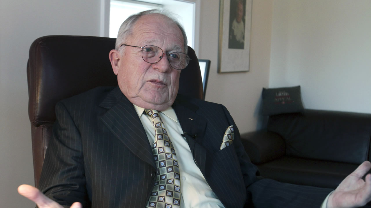 In this Jan. 10, 2011 file photo, F. Lee Bailey answers questions during an interview at his office in Yarmouth, Maine.