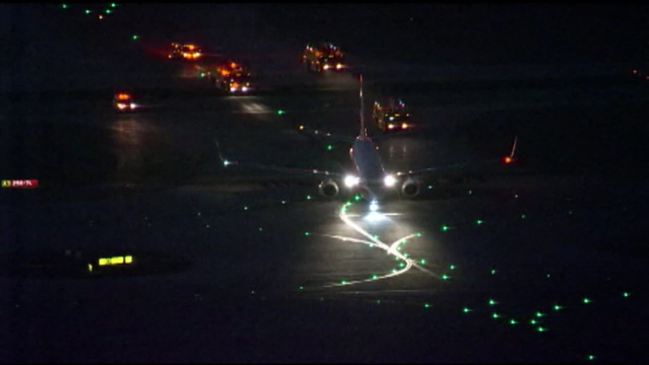 plane with emergency lights