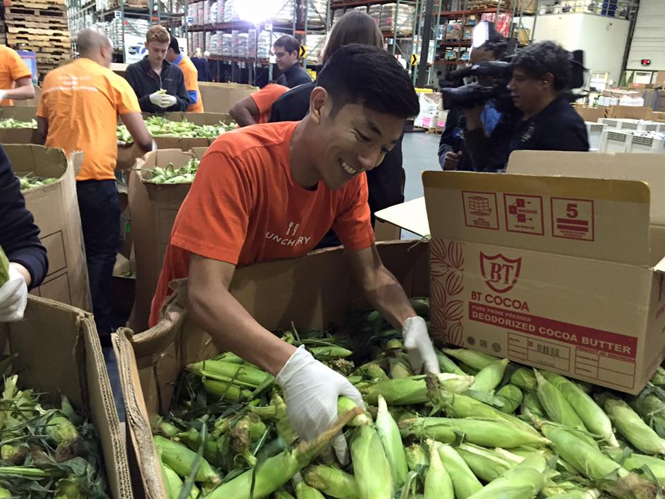 "<div class=""meta image-caption""><div class=""origin-logo origin-image none""><span>none</span></div><span class=""caption-text"">Volunteers at SF-Marin Food Bank in San Francisco sort ears of corn on Monday, November 9, 2015. (KGO-TV)</span></div>"