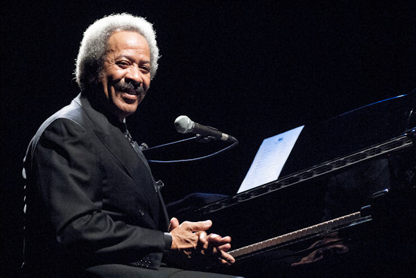 <div class='meta'><div class='origin-logo' data-origin='none'></div><span class='caption-text' data-credit='Jordi Vidal/Redferns via Getty'>Allen Toussaint, the legendary New Orleans musician and composer behind hits like ''Lady Marmalade,'' died after a heart attack during a performance. He was 77.</span></div>