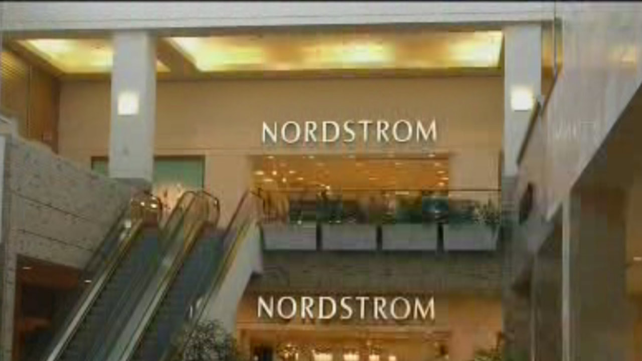Nordstrom Says No To Christmas Decorations Until
