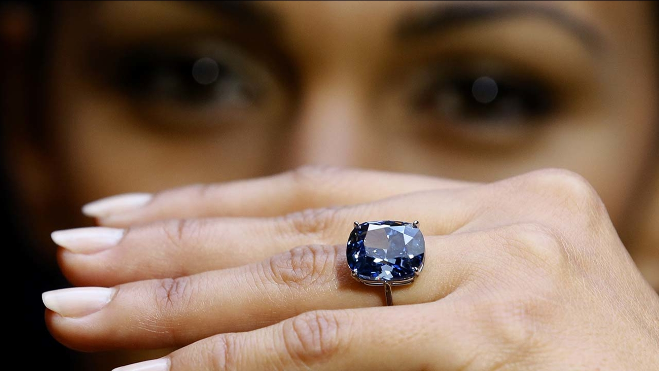 Blue Moon Diamond at Sotheby's