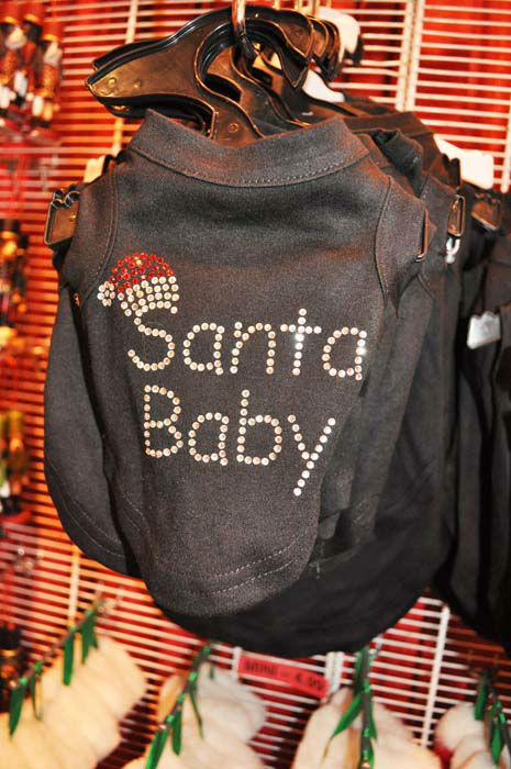 "<div class=""meta image-caption""><div class=""origin-logo origin-image none""><span>none</span></div><span class=""caption-text"">Some of the merchandise seen at the four-day Houston Ballet Nutcracker Market (KTRK Photo/ Amanda Cochran)</span></div>"