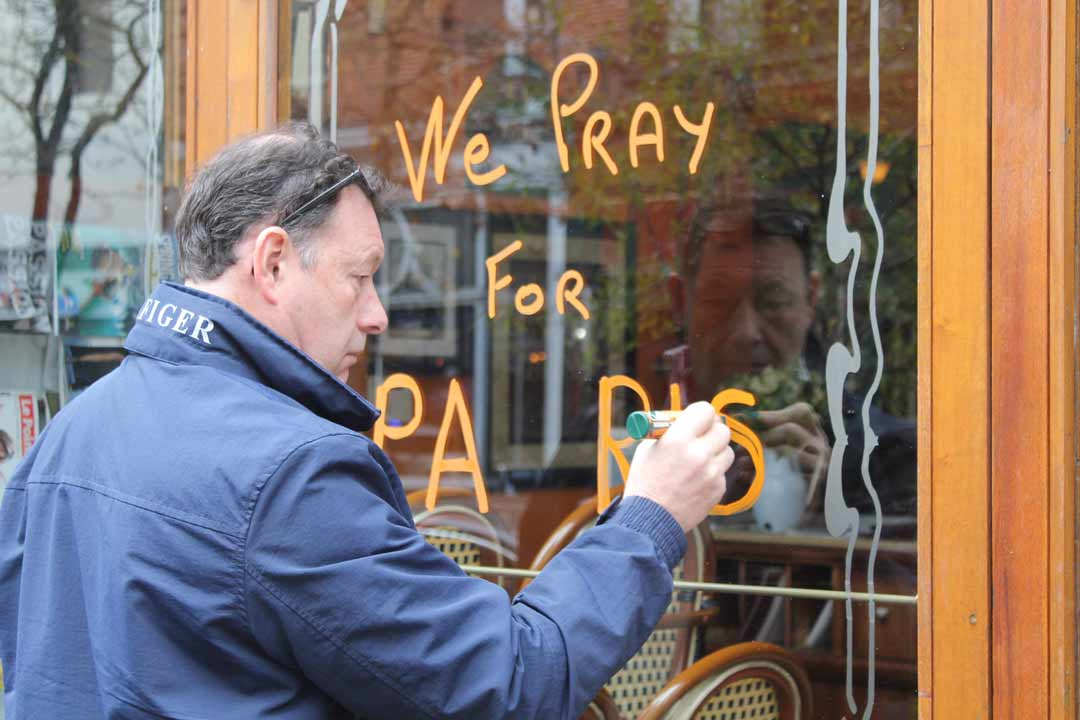 """<div class=""""meta image-caption""""><div class=""""origin-logo origin-image wpvi""""><span>WPVI</span></div><span class=""""caption-text"""">Caribou Cafe on Walnut Street in Center City shows its support for Paris on Saturday, Nov. 14, following attacks on the city.</span></div>"""