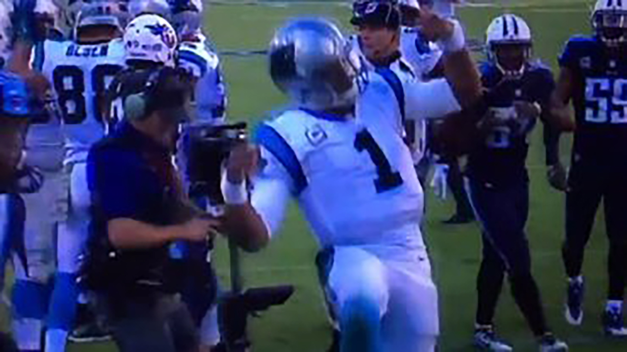 Cam Newton does a touchdown dance in the 4th quarter