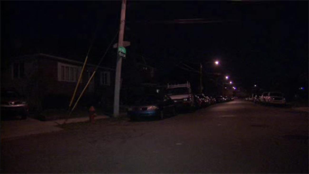 Victim turns the table on robbers in NE Philadelphia