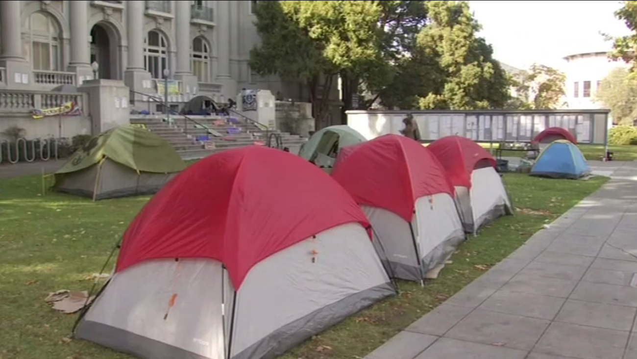 Campout in front of old Berkeley City Hall