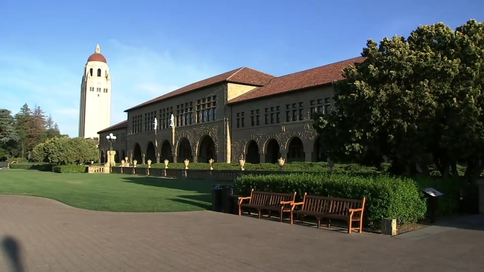 Stanford students concerned about breakthrough COVID cases after 7 fully vaccinated test positive