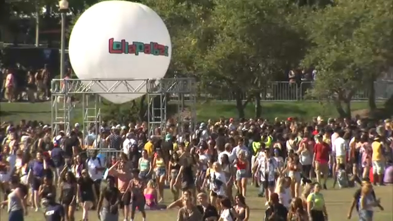 Lollapalooza COVID rules: FBI warns against using fake documents to get in Chicago music festival