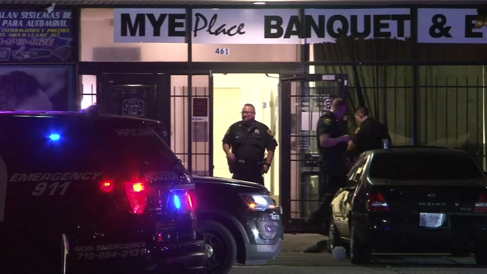 Police searching for suspect after 3 teenagers shot during party at N Houston banquet hall