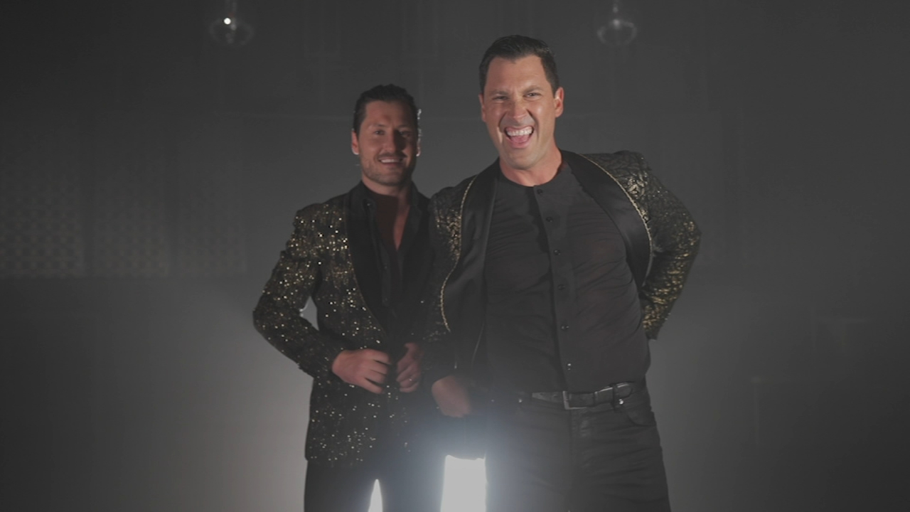 DWTS pros 'Maks & Val: Stripped Down' tour makes stop at Chicago's Athenaeum Theatre