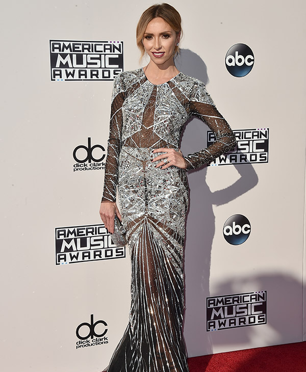 <div class='meta'><div class='origin-logo' data-origin='AP'></div><span class='caption-text' data-credit='Jordan Strauss/Invision/AP'>Giuliana Rancic arrives at the American Music Awards at the Microsoft Theater on Sunday, Nov. 22, 2015, in Los Angeles.</span></div>