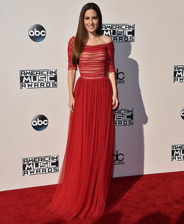 "<div class=""meta image-caption""><div class=""origin-logo origin-image ap""><span>AP</span></div><span class=""caption-text"">Kerri Kasem arrives at the American Music Awards at the Microsoft Theater on Sunday, Nov. 22, 2015, in Los Angeles. (Jordan Strauss/Invision/AP)</span></div>"