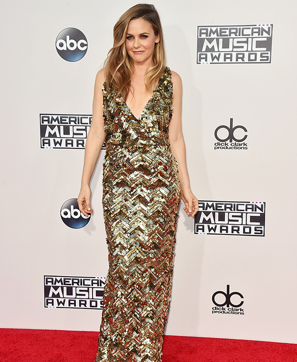 <div class='meta'><div class='origin-logo' data-origin='AP'></div><span class='caption-text' data-credit='Jordan Strauss/Invision/AP'>Alicia Silverstone arrives at the American Music Awards at the Microsoft Theater on Sunday, Nov. 22, 2015, in Los Angeles.</span></div>