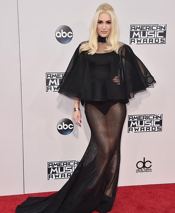<div class='meta'><div class='origin-logo' data-origin='AP'></div><span class='caption-text' data-credit='Jordan Strauss/Invision/AP'>Gwen Stefani arrives at the American Music Awards at the Microsoft Theater on Sunday, Nov. 22, 2015, in Los Angeles.</span></div>