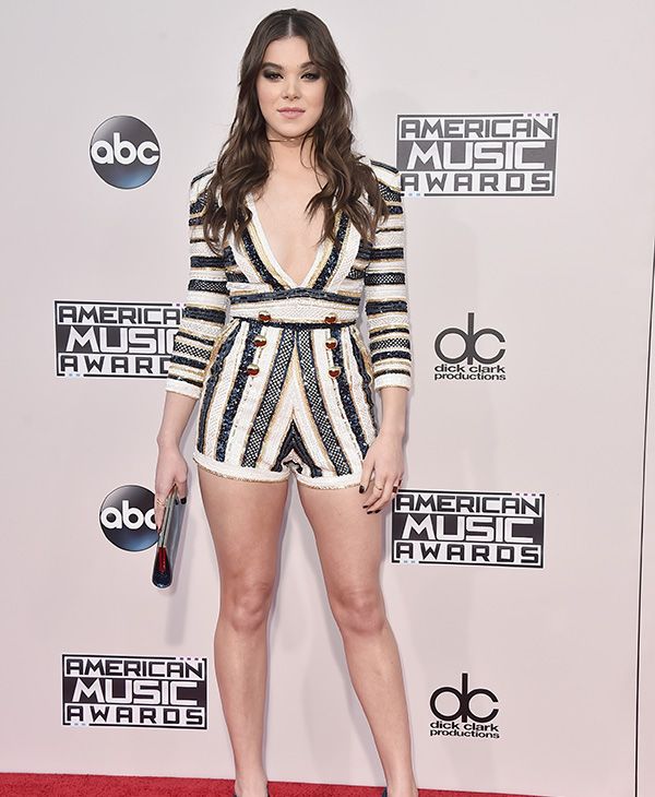 <div class='meta'><div class='origin-logo' data-origin='AP'></div><span class='caption-text' data-credit='Jordan Strauss/Invision/AP'>Hailee Steinfeld arrives at the American Music Awards at the Microsoft Theater on Sunday, Nov. 22, 2015, in Los Angeles.</span></div>