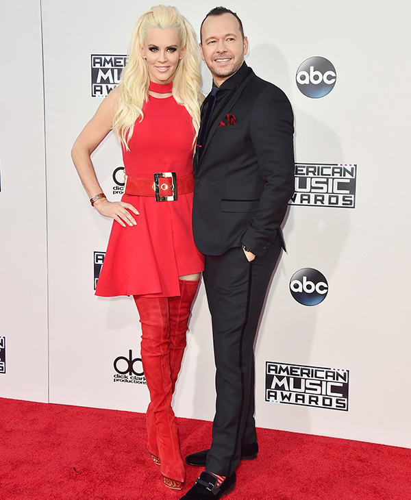 "<div class=""meta image-caption""><div class=""origin-logo origin-image ap""><span>AP</span></div><span class=""caption-text"">Jenny McCarthy, left, and Donnie Wahlberg arrive at the American Music Awards at the Microsoft Theater on Sunday, Nov. 22, 2015, in Los Angeles. (Jordan Strauss/Invision/AP)</span></div>"