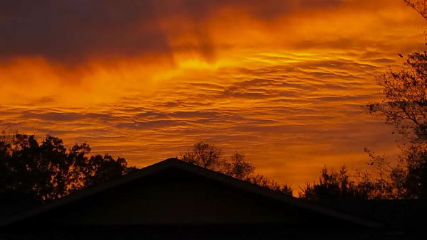 "<div class=""meta image-caption""><div class=""origin-logo origin-image none""><span>none</span></div><span class=""caption-text"">It was a beautiful sunrise over southeast Texas this morning as the sky looked like it was on fire. (#abc13eyewitness)</span></div>"