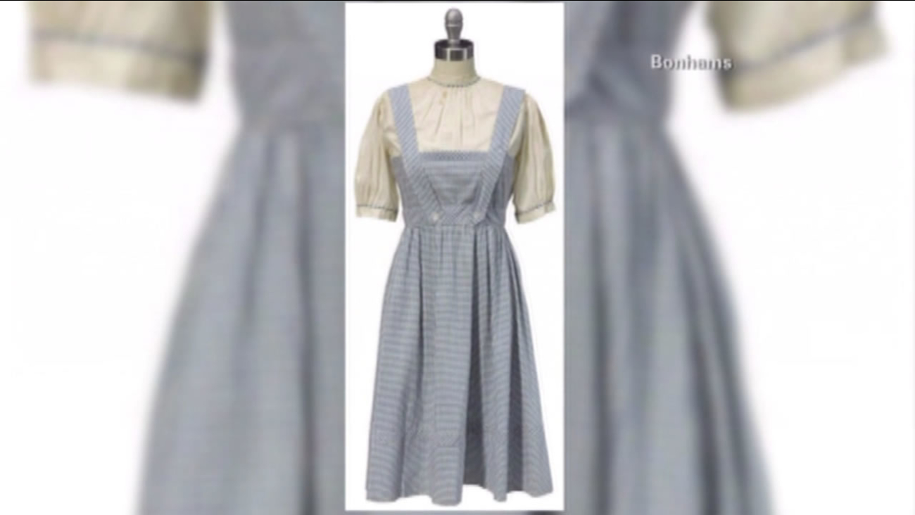 """The dress Judy Garland wore in the movie """"The Wizard of Oz"""" sold for more than $1 million at auction."""