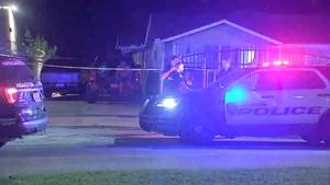 偷窥狂嫌疑人在休斯顿北部住宅外被枪杀(视频)
