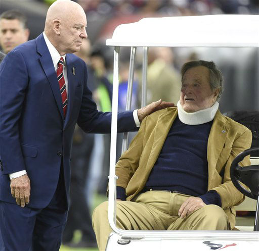 "<div class=""meta image-caption""><div class=""origin-logo origin-image none""><span>none</span></div><span class=""caption-text"">Houston Texans owner Bob McNair, left, talks with former President George H.W. Bush before  the game. (AP Photo/ Eric Christian Smith)</span></div>"