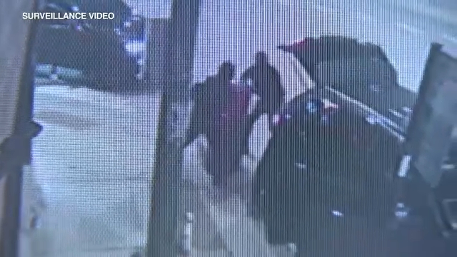 Chicago police searching for suspects after 2 ATMs stolen within minutes on NW Side