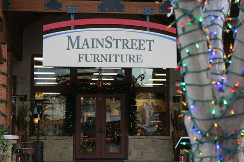 "<div class=""meta image-caption""><div class=""origin-logo origin-image none""><span>none</span></div><span class=""caption-text"">MainStreet America hosts its annual holiday tradition of Christmas on MainStreet every Saturday through December 19th. (Photo/KTRK)</span></div>"