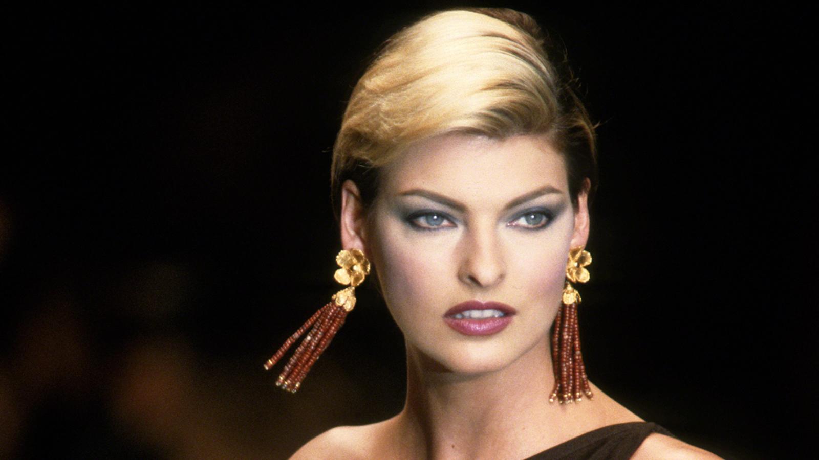 Supermodel Linda Evangelista claims botched CoolSculpting procedure left her 'deformed' in lawsuit - KTRK-TV