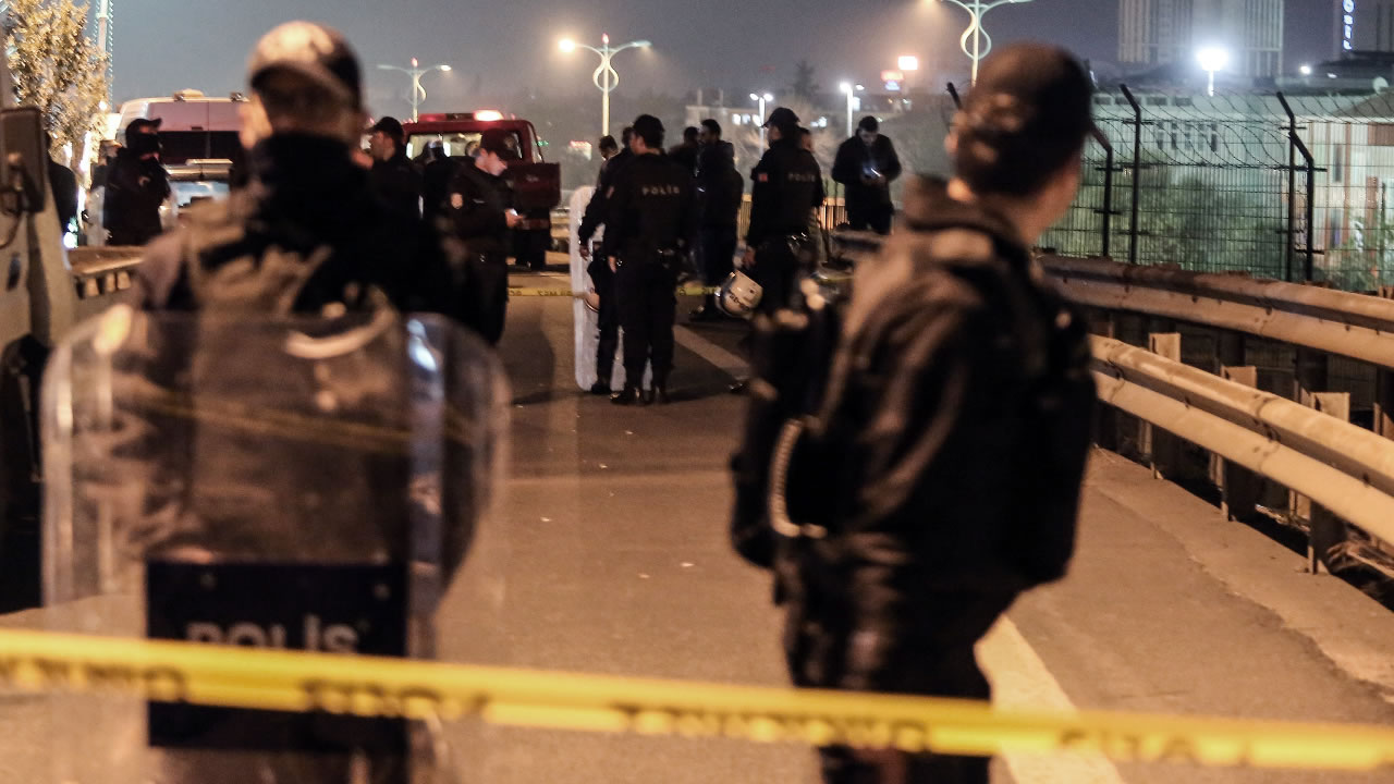 iot police surround the area after an explosion on a highway overpass near a subway station, wounding five people, in Istanbul, Turkey, Tuesday, Dec. 1, 2015.