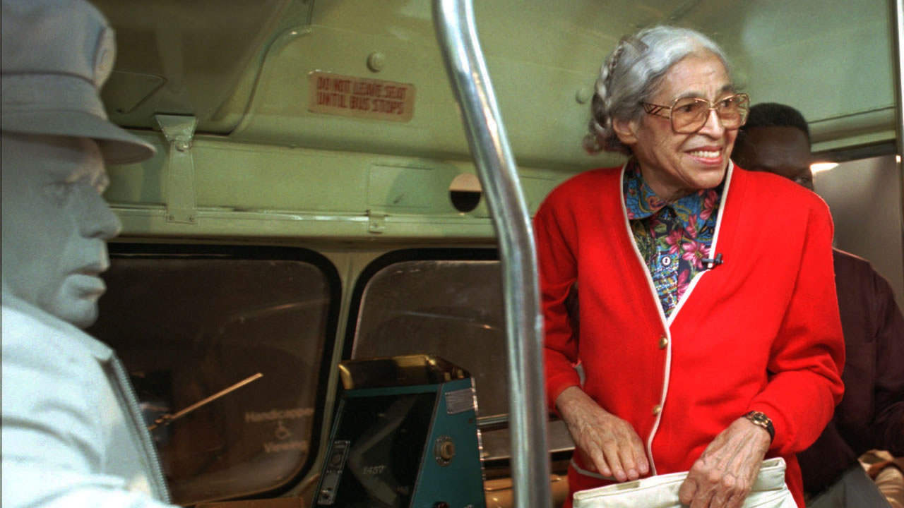 Rosa Parks visits an exhibit illustrating her bus ride of December, 1955 at the National Civil Rights Museum in Memphis, Tenn., Saturday, July 15, 1995.