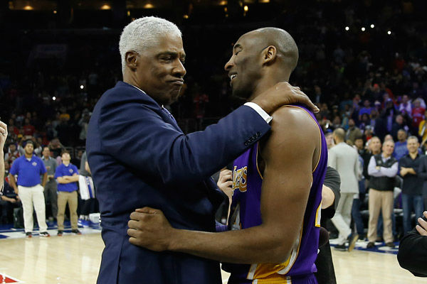 "<div class=""meta image-caption""><div class=""origin-logo origin-image none""><span>none</span></div><span class=""caption-text"">Los Angeles Lakers' Kobe Bryant, right, embraces former NBA player Julius Erving ahead of a basketball game against the Philadelphia 76ers Tuesday, Dec. 1, 2015, in Philadelphia. (Photo/Matt Slocum)</span></div>"