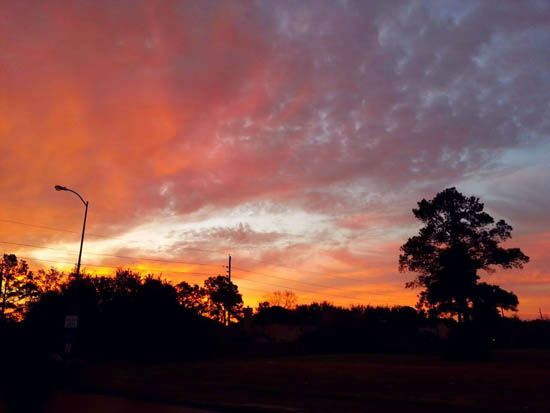 """<div class=""""meta image-caption""""><div class=""""origin-logo origin-image none""""><span>none</span></div><span class=""""caption-text"""">These are images from Wednesday night's sunset across Houston.  Send your pics to us at news@abc13.com or post them using #abc13eyewitness (Photo/iWitness Reports)</span></div>"""