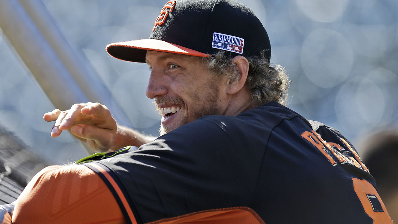 Giants right fielder Hunter Pence smiles during batting practice before Game 3 of baseball's NL Division Series against the Nationals in San Francisco, , Oct. 6, 2014. (AP Photo/Ben Margot)