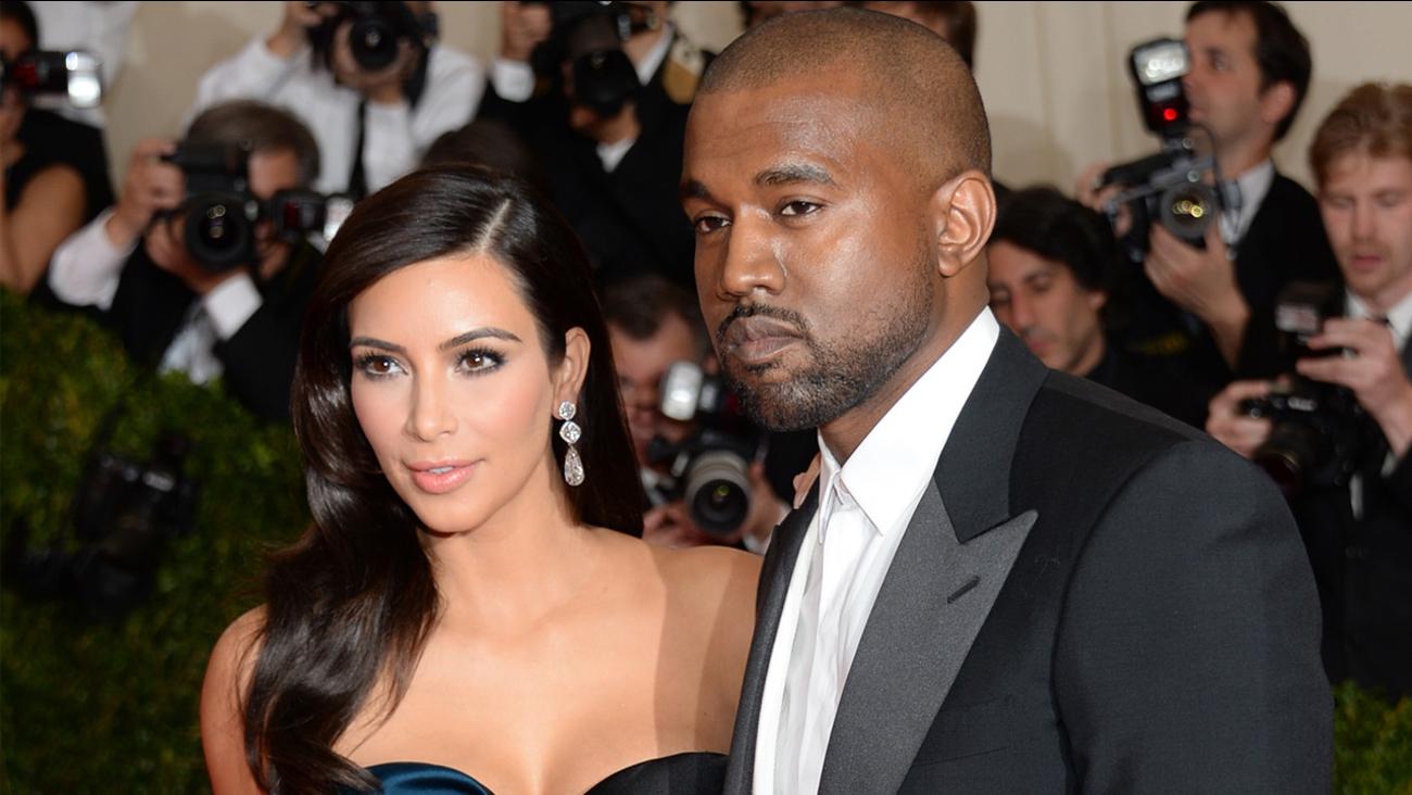 Kim Kardashian West, Kanye West welcome son