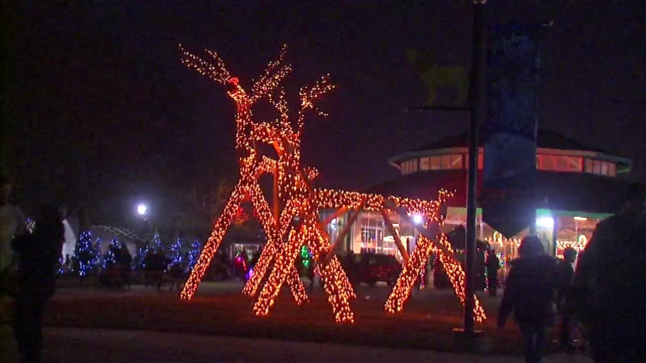 Exceptional U0027Holiday Magicu0027 Lights Display Opens At Brookfield Zoo | Abc7chicago.com Nice Design