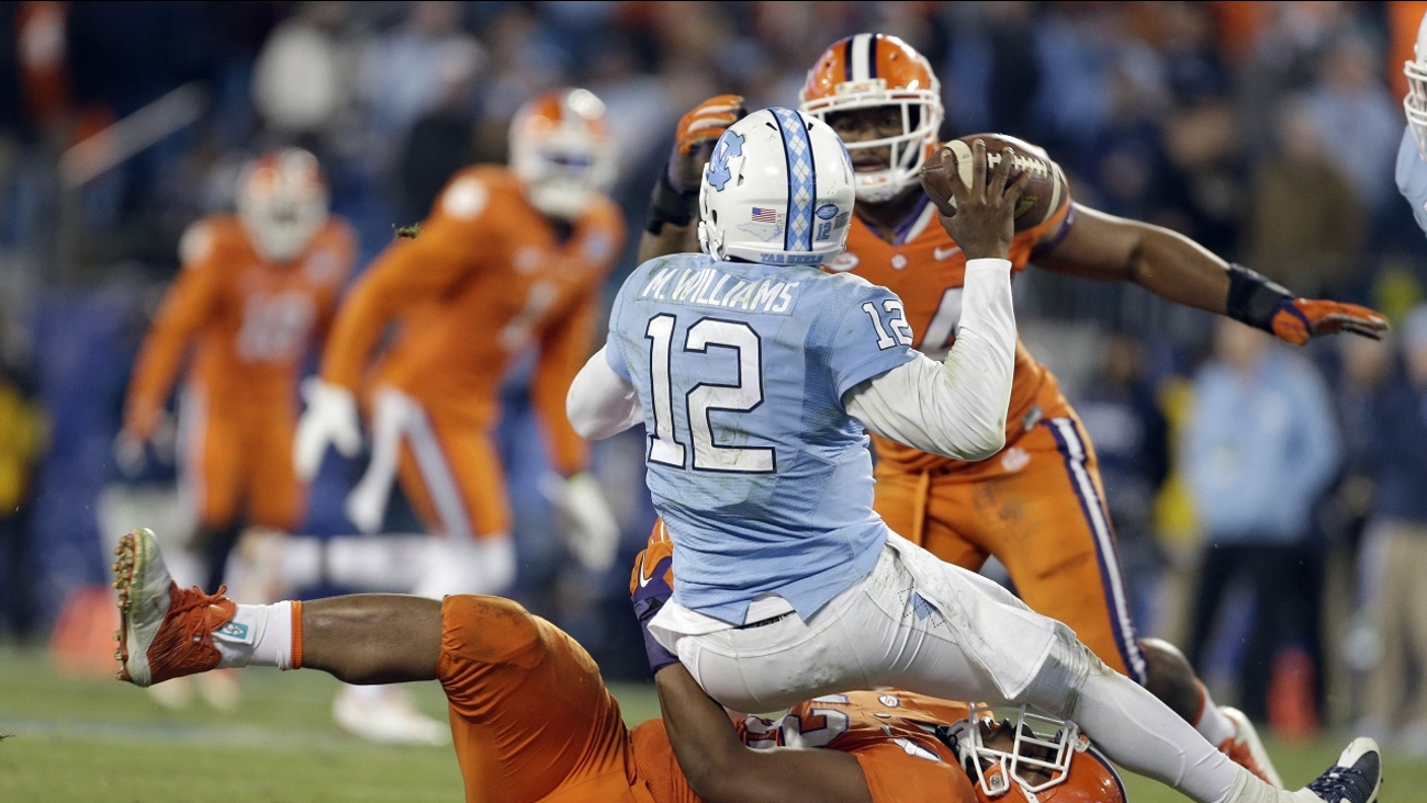 Clemson's Christian Wilkins tackles North Carolina quarterback Marquise Williams