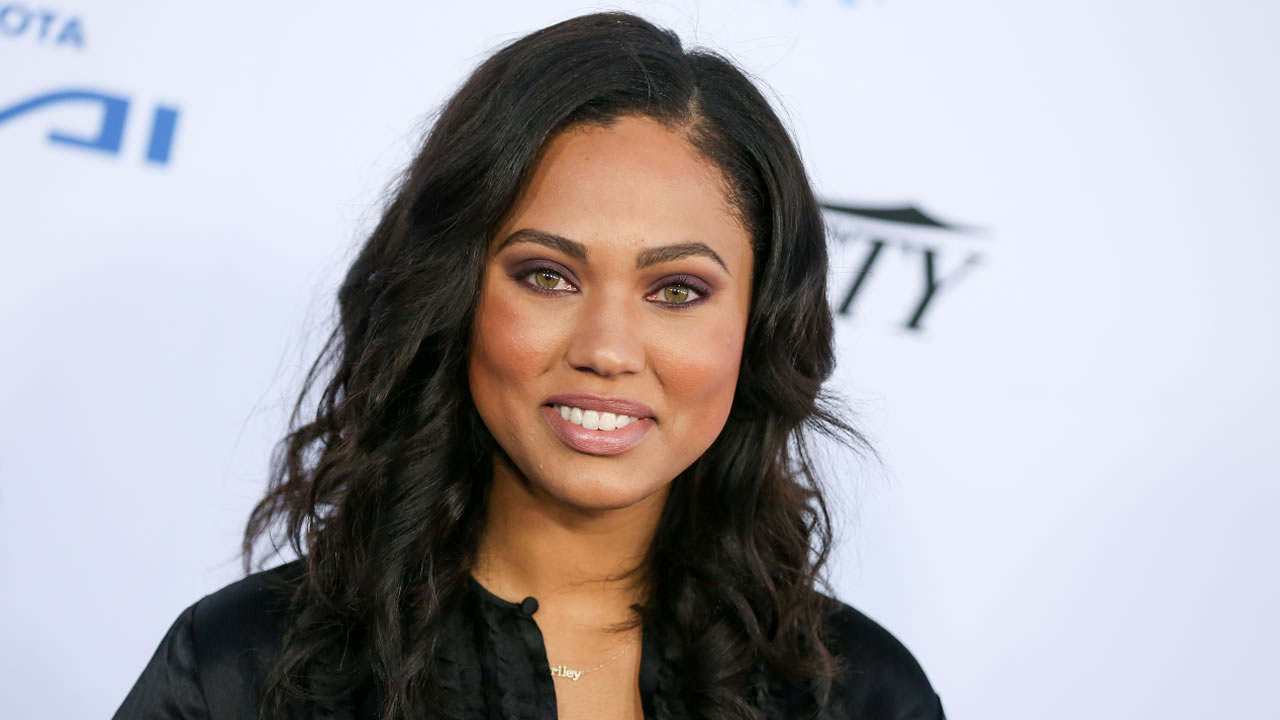 Ayesha Curry arrives at the Autism Speaks to LA Celebrity Chef Gala at Barker Hangar on Thursday, Oct. 8, 2015, in Santa Monica, Calif.