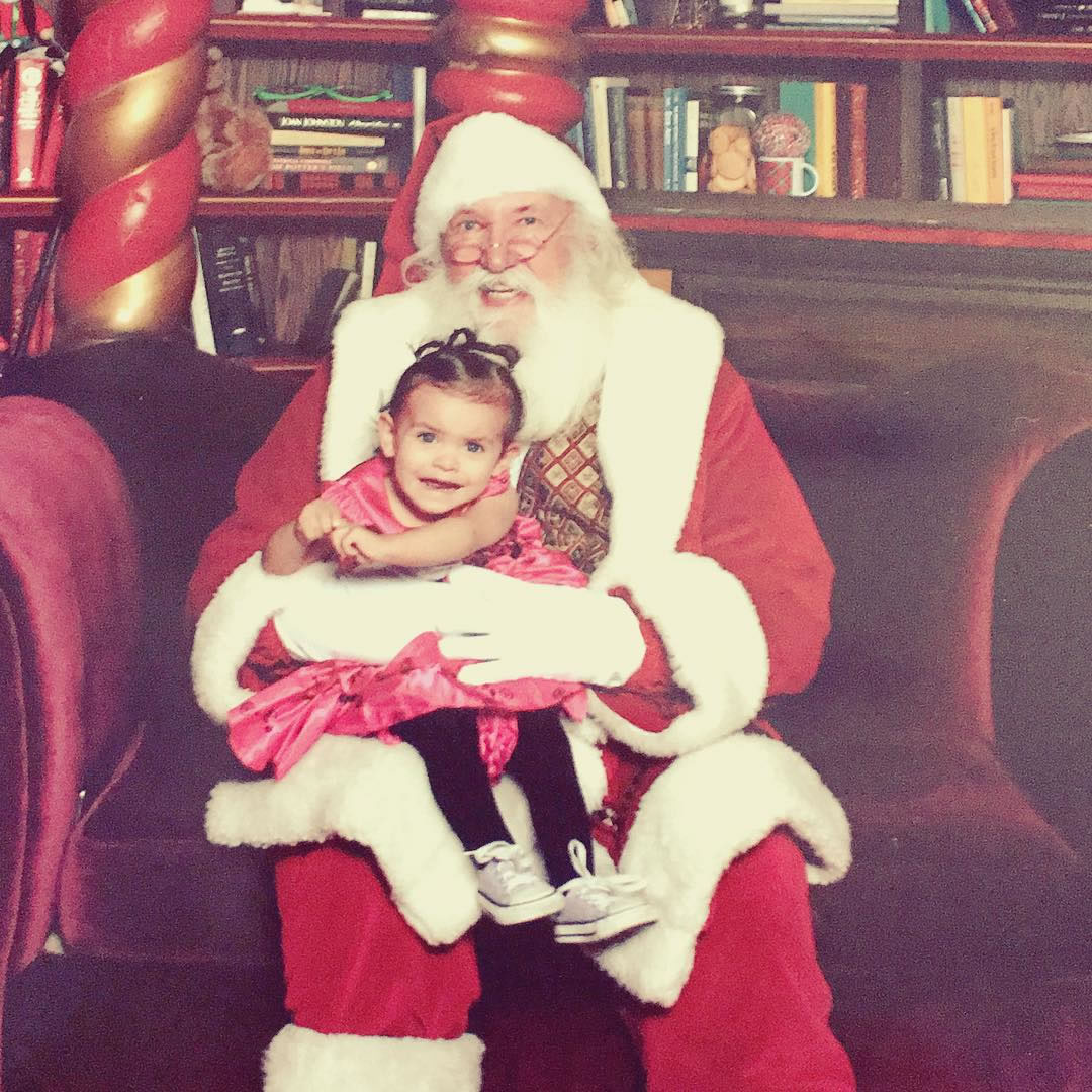 "<div class=""meta image-caption""><div class=""origin-logo origin-image none""><span>none</span></div><span class=""caption-text"">Baby's first visit with Santa Claus. (Photo sent to KGO-TV by zomdavidbie/Instagram)</span></div>"